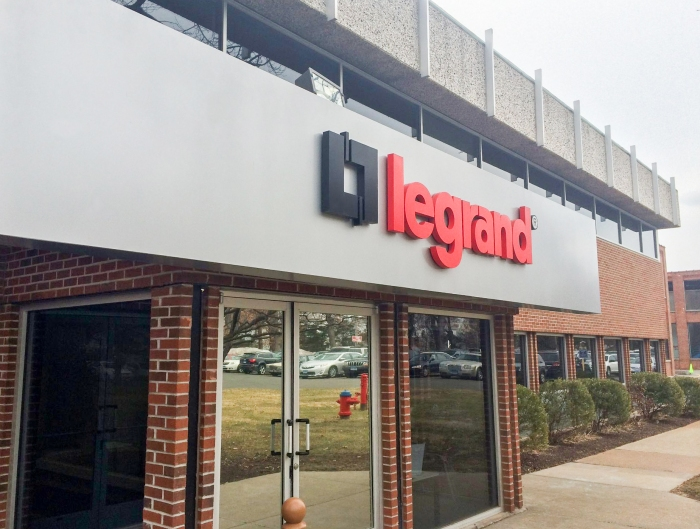 F1g_legrand-north-america-office